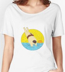 Japanese Sumo Wrestler Diving Sea Sunset Circle Drawing Women's Relaxed Fit T-Shirt