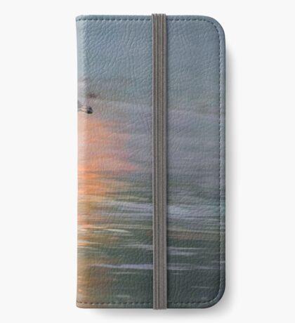 Junge Seemöwe an der Dämmerung iPhone Flip-Case