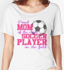 Stolze Mutter des nettesten Fußball-Spielers auf dem Feld Loose Fit T-Shirt