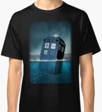 Blue Box in Water Hoodie / T-shirt Classic T-Shirt