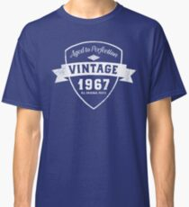 Born in 1967 Vintage Birthday Classic T-Shirt