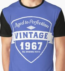 Born in 1967 Vintage Birthday Graphic T-Shirt