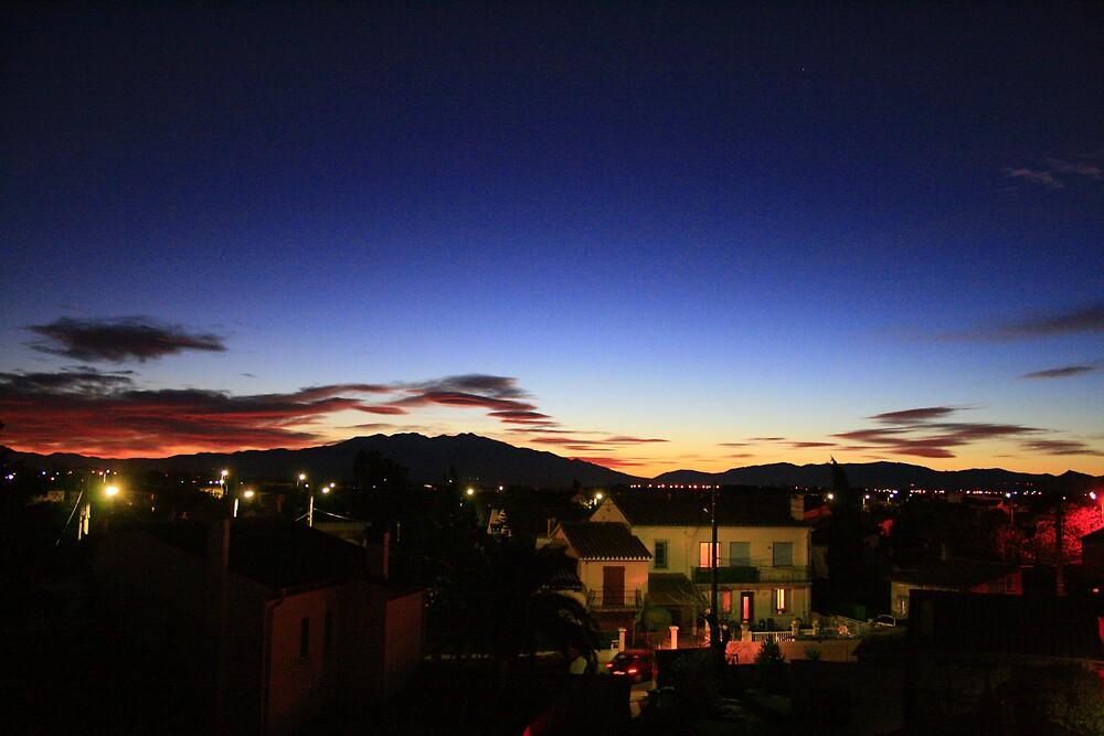 Sunset, 31st December,2007 by jasonjerbil