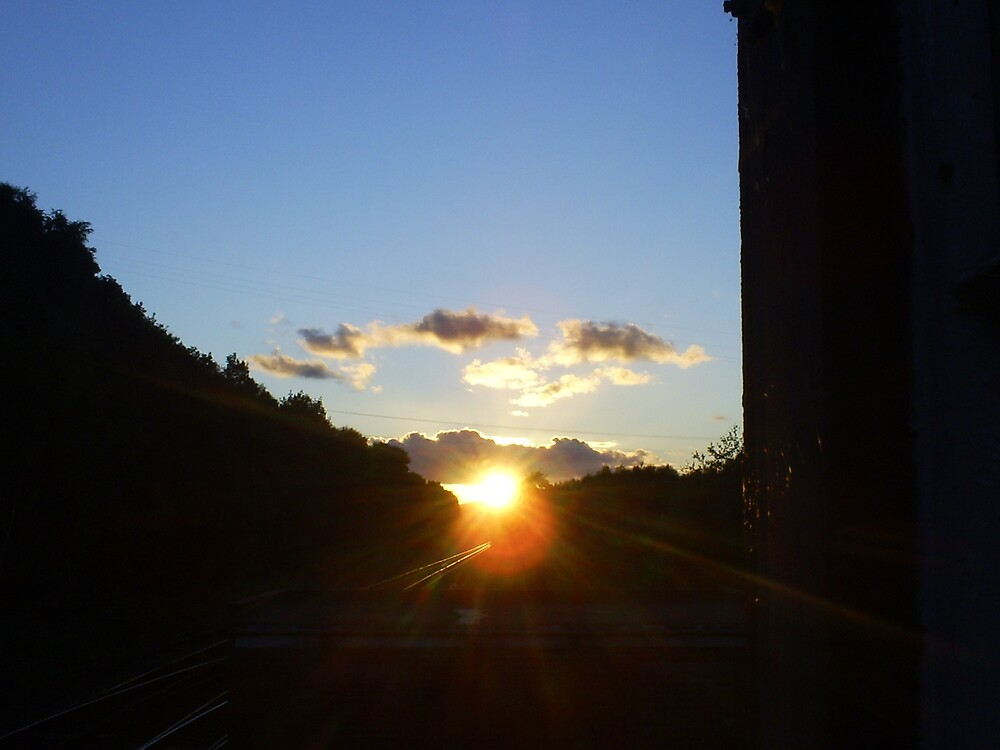 blue sunset by wysutty