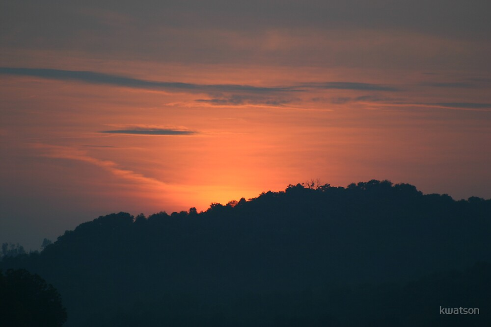 Sunset over the mountain by kwatson