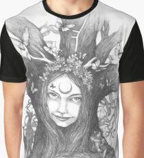 Oak Queen Graphic T-Shirt