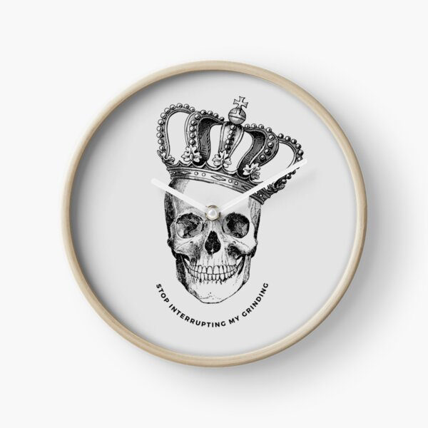 Grinding Skull With Crown Clock