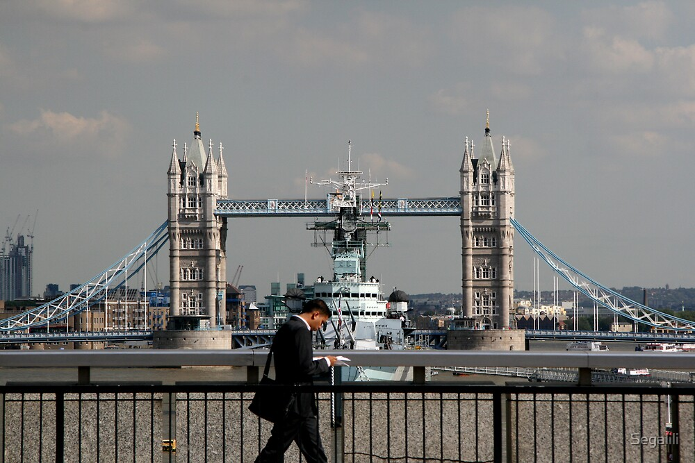 Passerby on London Bridge by Segalili