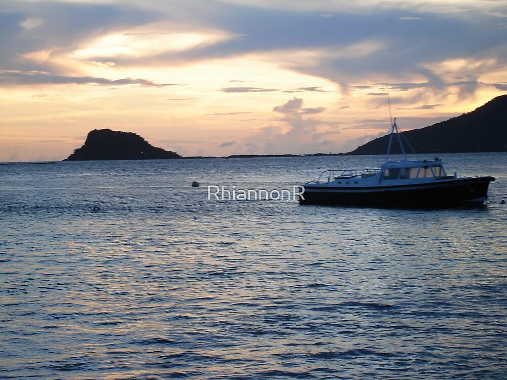 Sea by RhiannonR
