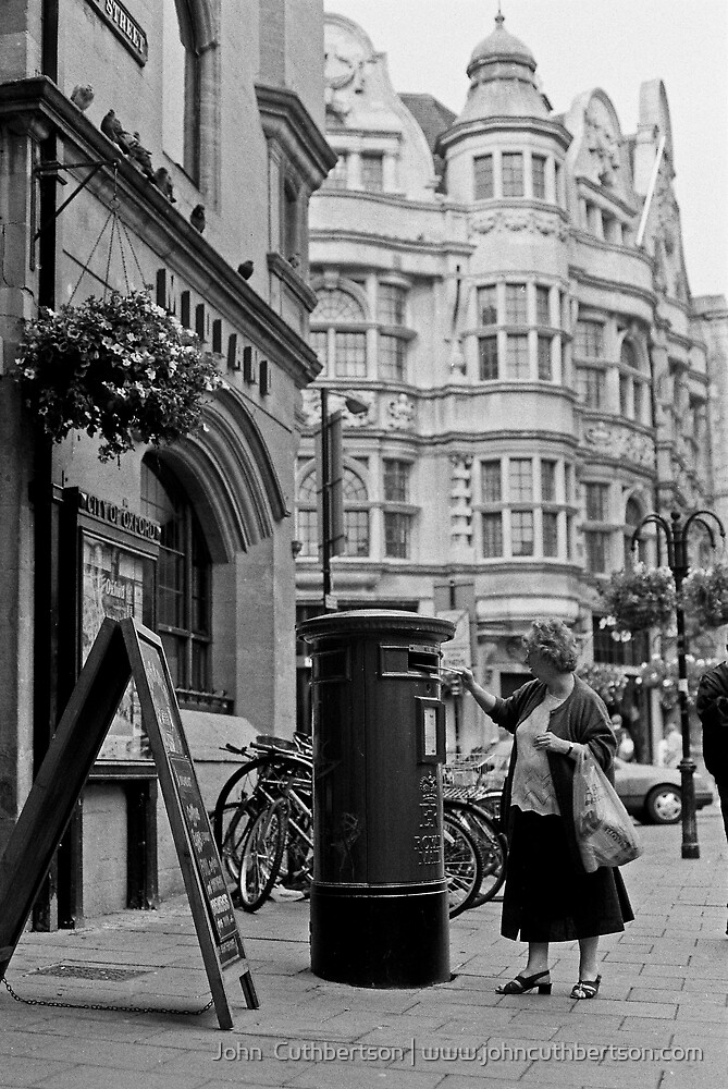 Posting the Royal Mail, Oxford by John  Cuthbertson | www.johncuthbertson.com