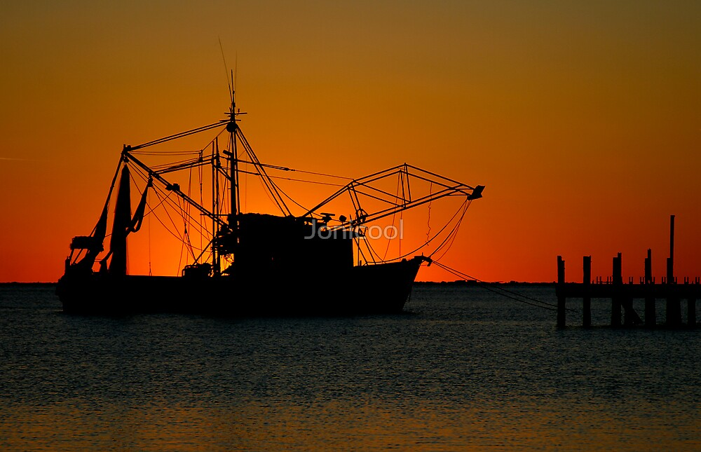 Shrimpboat Silhouette by Jonicool