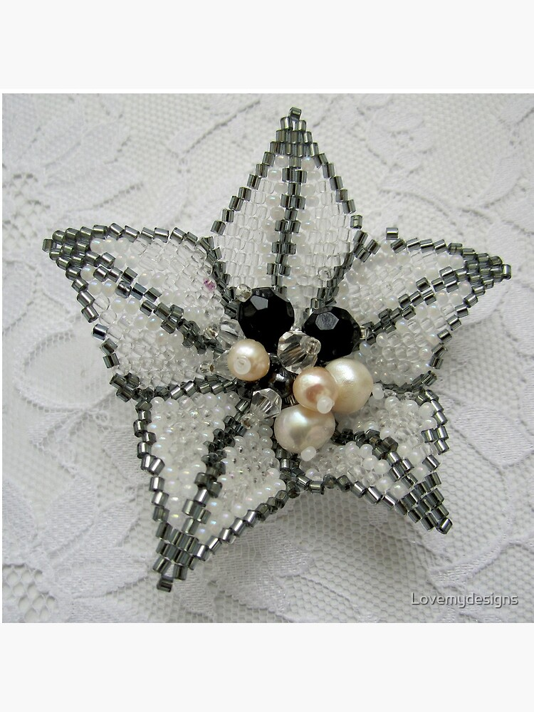 Lily. Beaded design by Lovemydesigns