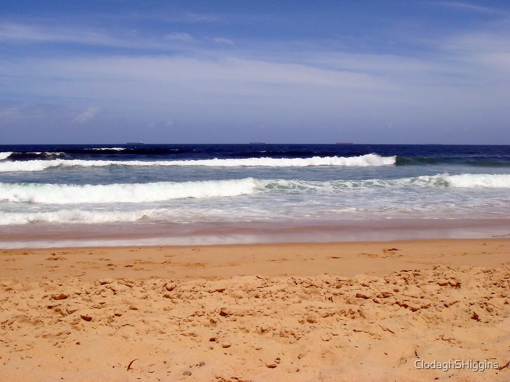 Bar Beach Waves Jan 2008 by ClodaghSHiggins