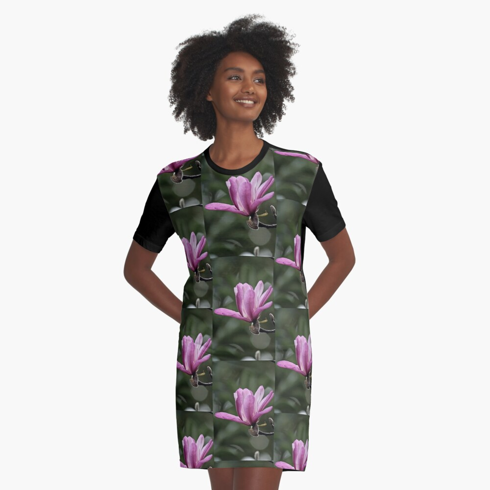 Magnolie in voller Blüte T-Shirt Kleid