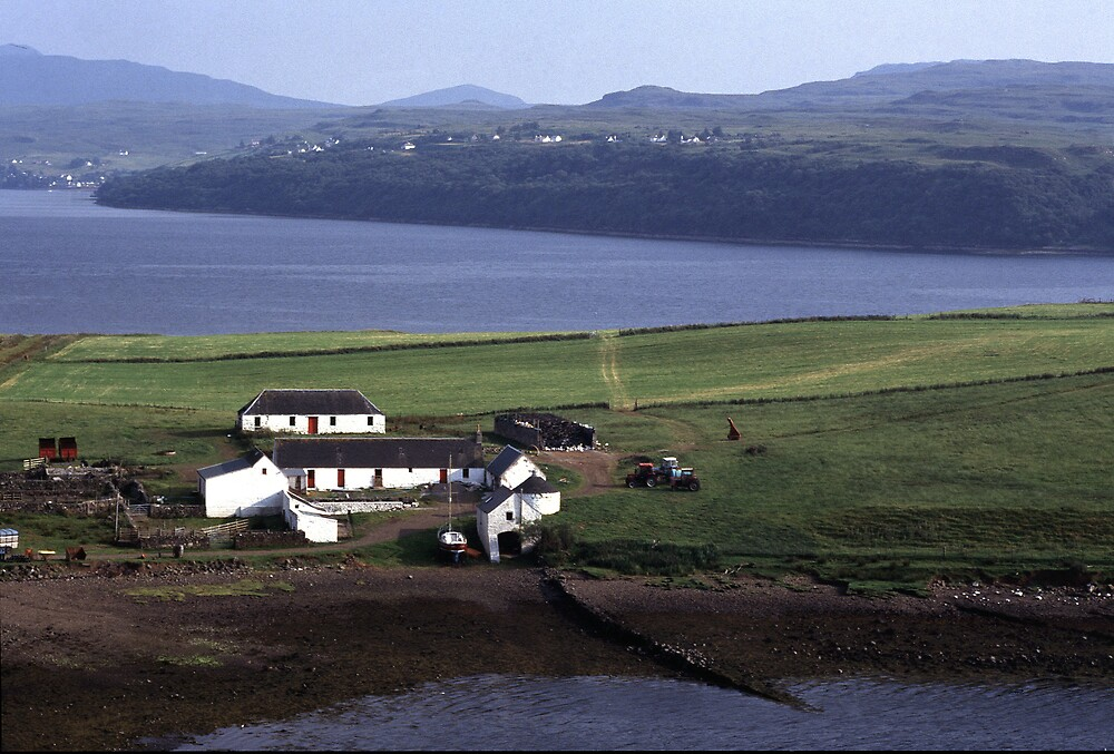 Farm by the Loch by kitlew