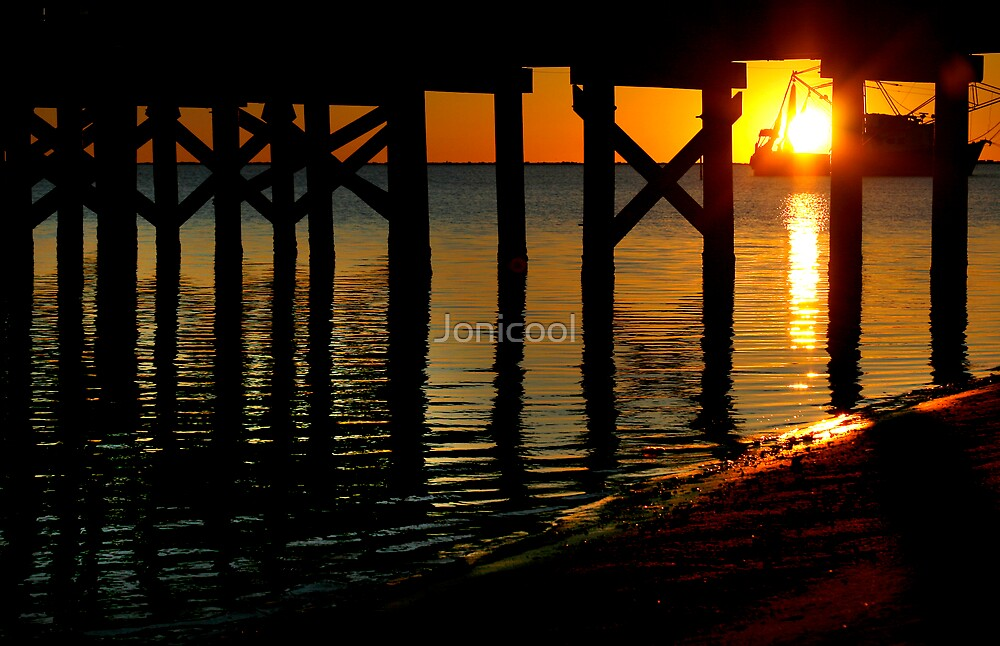 Sunset Under the Pier by Jonicool
