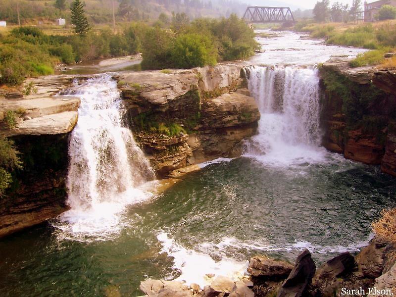 Lundbreck Falls - Canada. by Sarah Elson