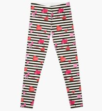 Valentines Day seamless pattern with watercolor hearts on striped background Leggings
