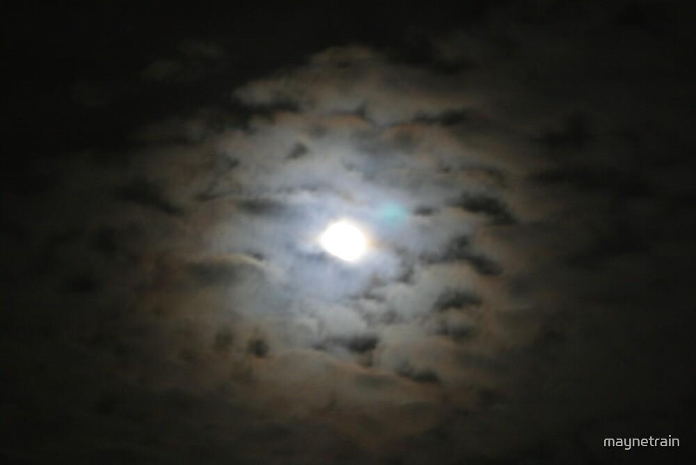 Moon  by maynetrain