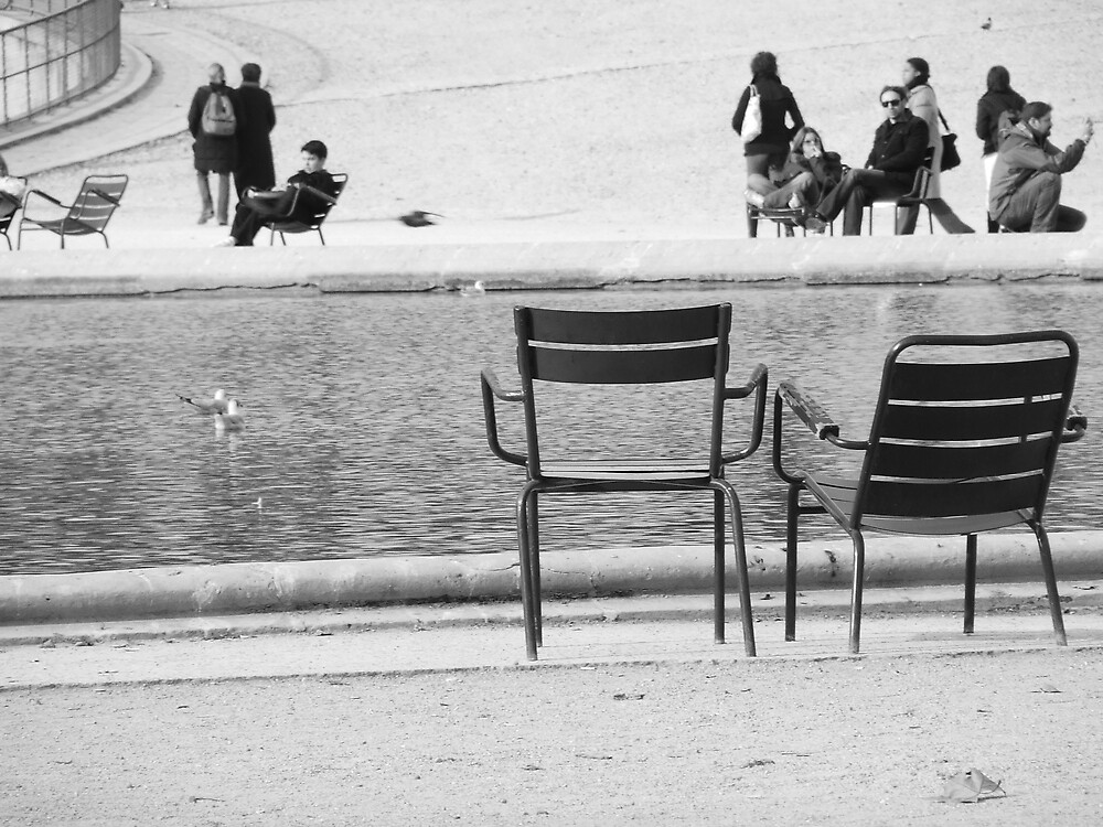 2 Chairs in the Garden of Louvre by anvo007