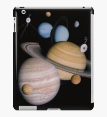 VOYAGER, Planets, Moons, the two spacecraft have visited iPad Case/Skin