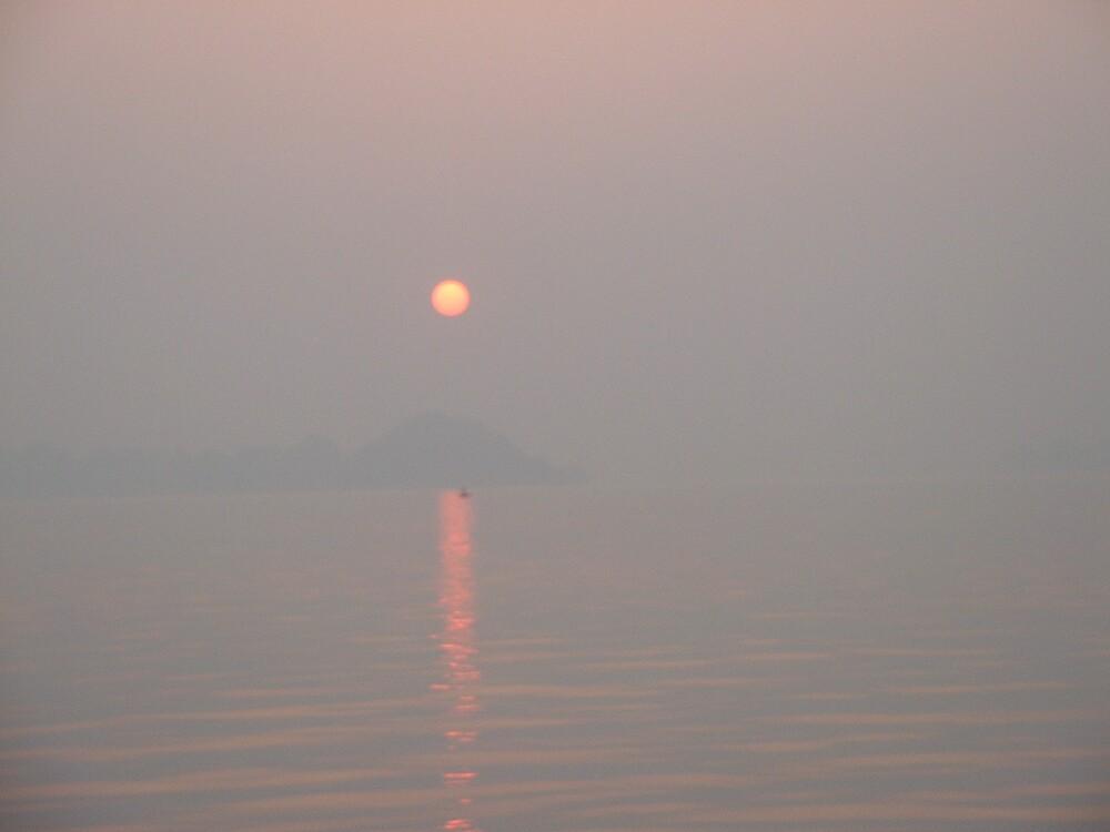 Halong bay, sunset by Weddel