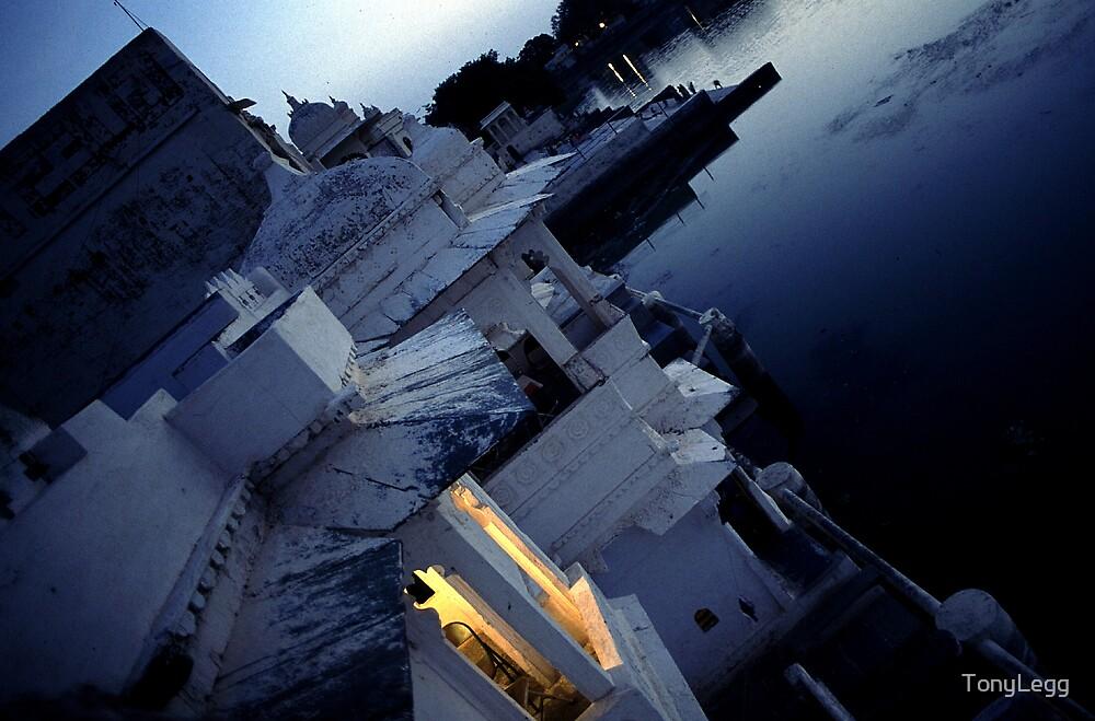 Hotel room over looking lake palace udipur.... by TonyLegg