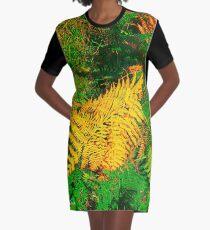 Fougeres en automne Graphic T-Shirt Dress