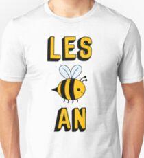LES BEE AN LESBIAN Unisex T-Shirt