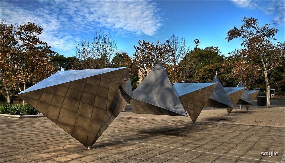 Trianglular .... by smylie