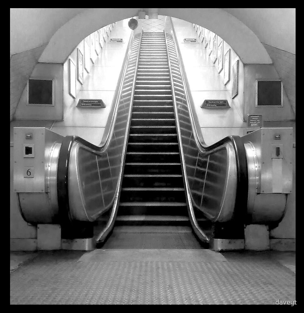 London escalator by daveyt