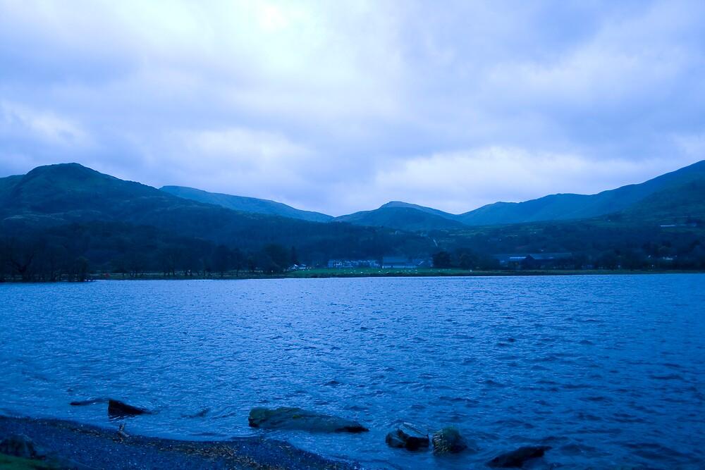 Llanberis waterfront by alanelce