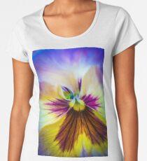 Pansy macro Women's Premium T-Shirt