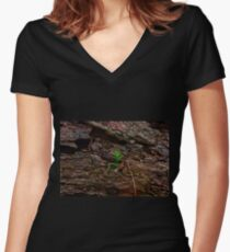 I'm coming to you! Women's Fitted V-Neck T-Shirt