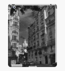 Paris - Montmartre Streetscape 003 BW iPad Case/Skin