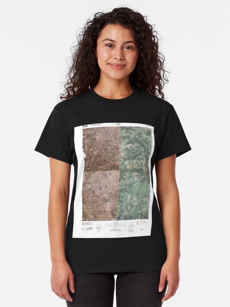 Alternative Ansicht von USGS TOPO Maps Iowa IA Hiattsville 20100507 TM Classic T-Shirt