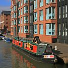 Narrow Boat, Gloucester Docks by RedHillDigital