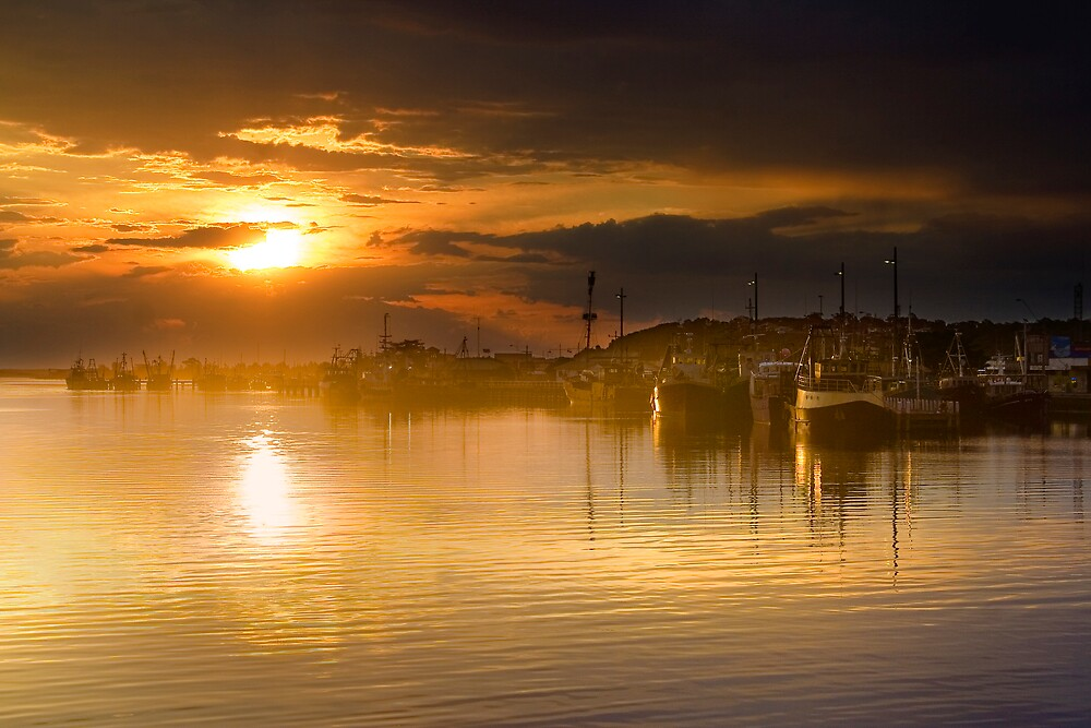 Lakes Entrance Sunset by Neil Creek