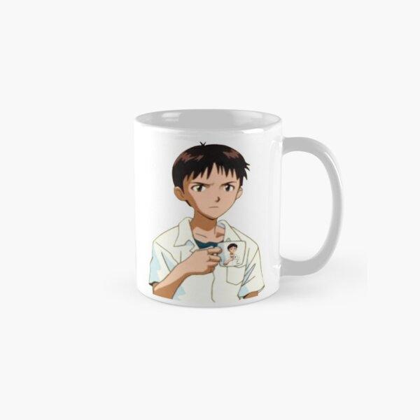 etc.)  Comprend DEUX images entières d'Ikari Shinji tenant sa tasse et vous jugeant silencieusement.  Neon Genesis Evangelion et tous ses personnages appartiennent à Hideaki Anno et Gainax. Mug classique