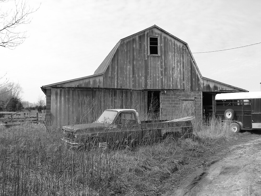 Black and White Barn by inventor