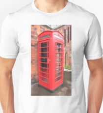 Vintage red phone call box London England British Unisex T-Shirt