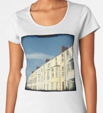 Home by the sea Women's Premium T-Shirt