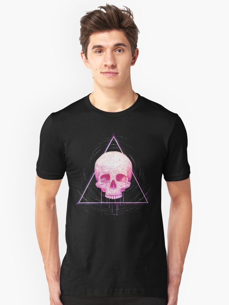 Skull in triangle on black Unisex T-Shirt Front