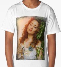 The look of the Pre-Raphaelite. Model EllaRose. Long T-Shirt