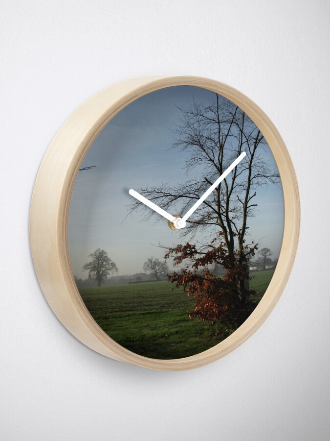 Alternative Ansicht von One Misty Morning in Essex Uhr