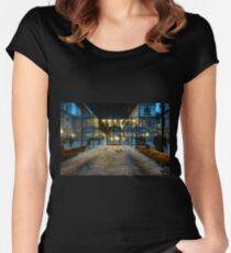 Kreig ist uber alles fur Anselm Keifer Women's Fitted Scoop T-Shirt