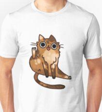 Katze leckt seinen Hintern Slim Fit T-Shirt