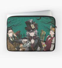 Wonderland: Undertaker, Ronald and William Laptop Sleeve