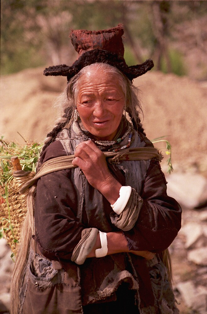 Old Tibetan woman in Ladakh, India by jensNP
