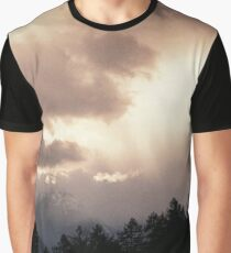 Alpes reality show Graphic T-Shirt